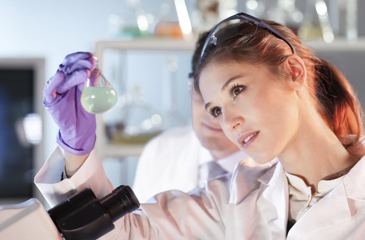 Female_scientist_-_Med.jpg